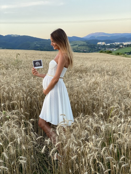 Maslové šaty s bodkami korzetové